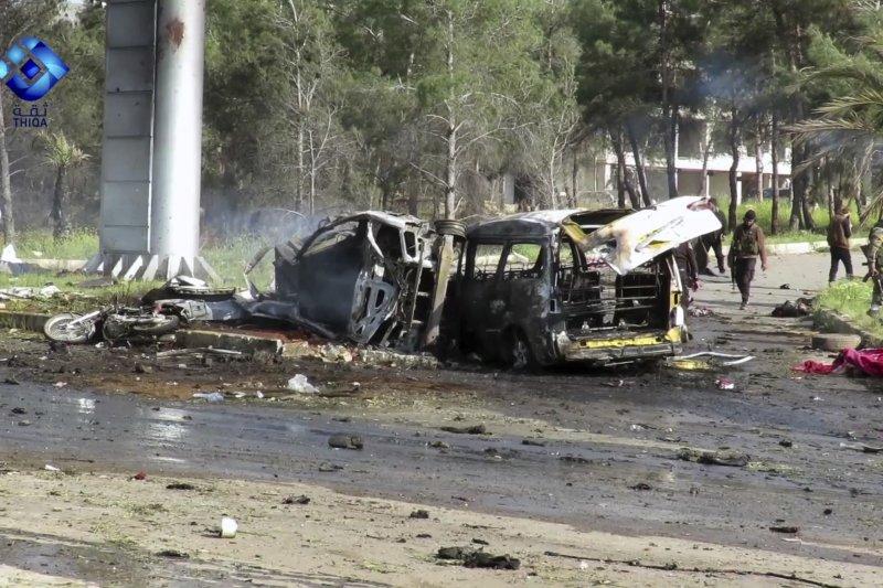 敘利亞交戰雙方正在進行「四鎮計畫」交換平民人質,滿載什葉派平民的巴士慘遭攻擊。(美聯社)