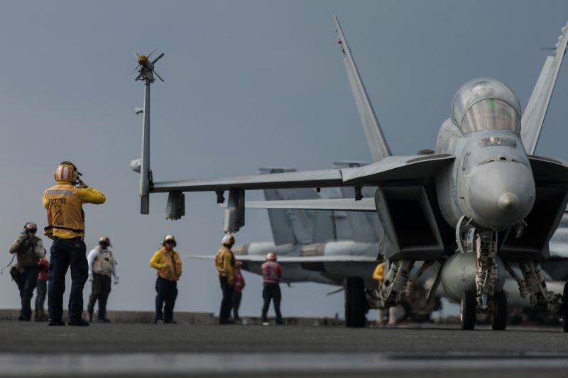 雷根號核動力航母上的F/A-18大黃蜂。(美國海軍官網)