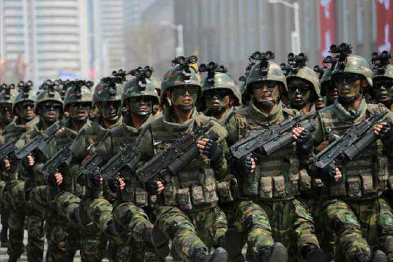 北韓2017年太陽節大閱兵,特殊作戰軍首次亮相。(勞動新聞)