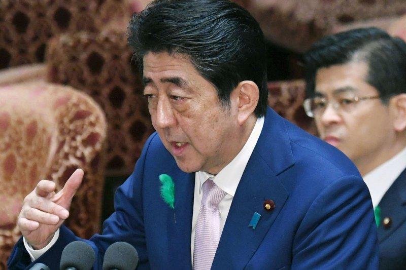 日本首相安倍晉三表示,為了對話而對話並無意義,會與國際社會對北韓施壓(AP)