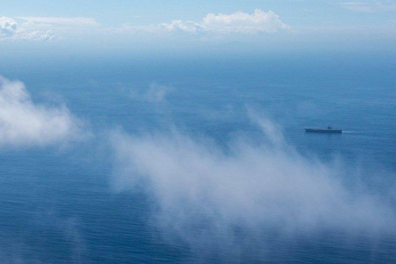 卡爾文森號航母打擊群4月中旬在南海一帶巡弋。(卡爾文森號臉書)