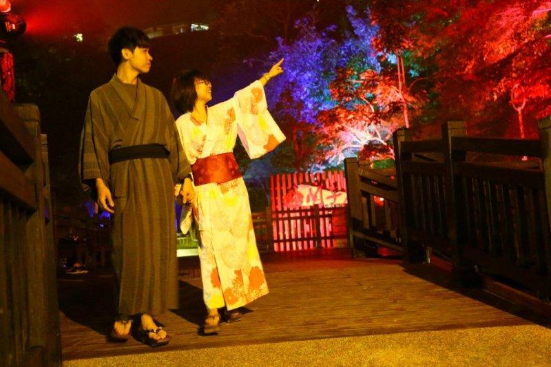 關子嶺寶泉橋「會跳舞的森林」光雕音樂藝術秀帶給你浪漫時光。(圖/西拉雅管理處提供)