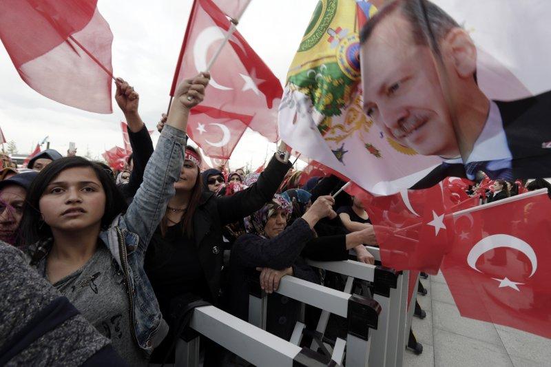 土耳其修憲公投過關,艾爾多安將成超級總統(AP)