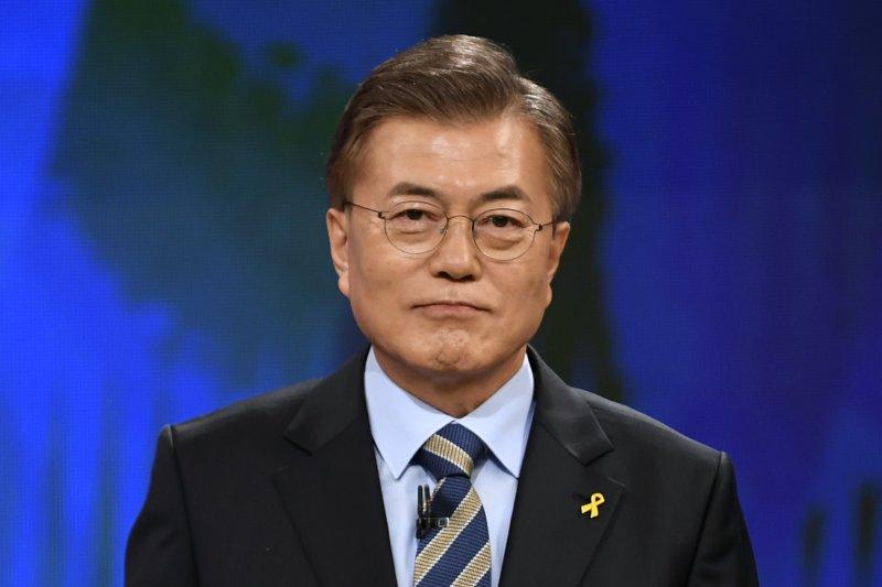 南韓總統大選:民調領先的共同民主黨候選人文在寅。(美聯社)