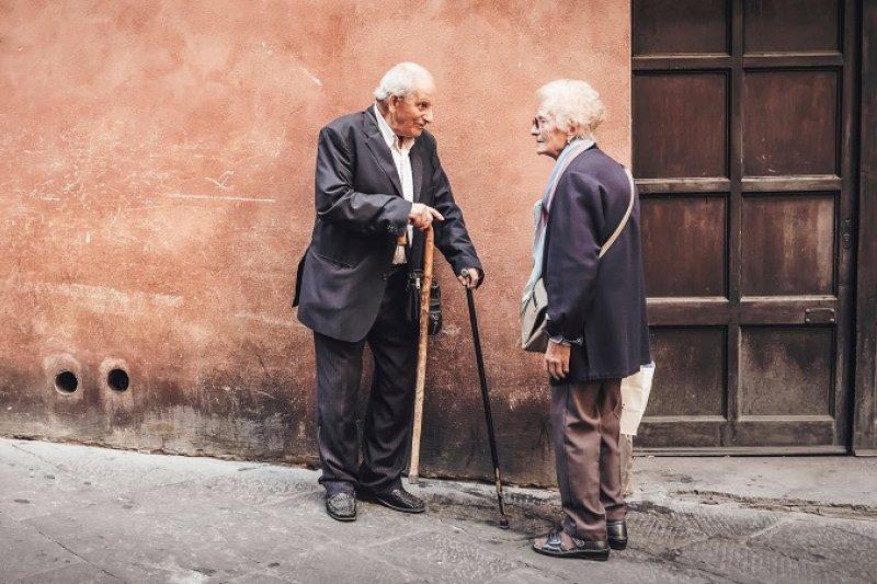 男人 腎虛 了怎麼辦 - 「走是養生之王」一對癌末夫妻在生命最後到各地「走一走、看一看」,竟然無藥而癒