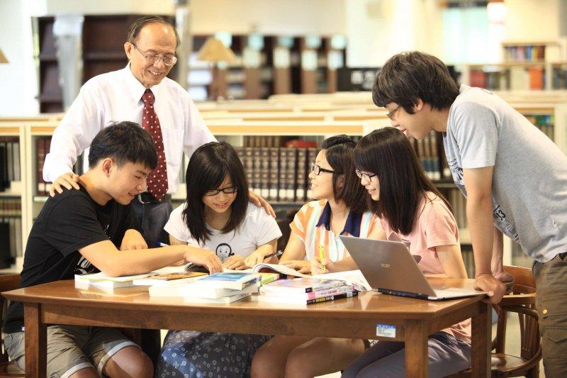 南華大學獲教育部大學提升校務專業管理能力計畫補助250萬元。(圖/南華大學提供)