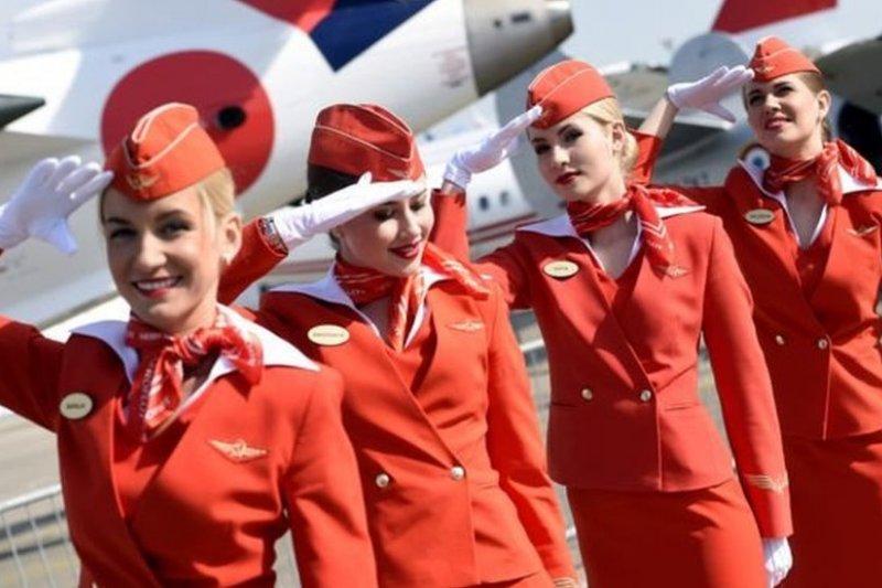 俄羅斯國際航空公司的空姐:公司認為她們是國家的名片。(BBC中文網)