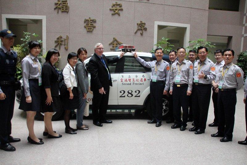 ICF主席訪視嘉義市雲端智慧巡邏車受青睞,6月份紐約大會向全球展示。(圖/嘉義市政府提供)
