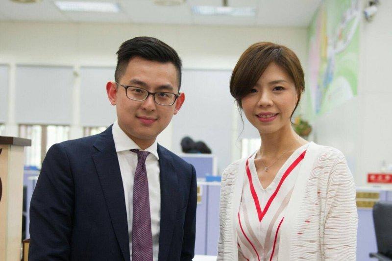 立委洪慈庸與台中市新聞局局長卓冠廷24日宣布結婚,受到政壇人士的祝福。(洪慈庸辦公室提供)