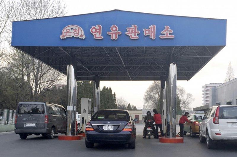 平壤的加油站。(美聯社資料照)