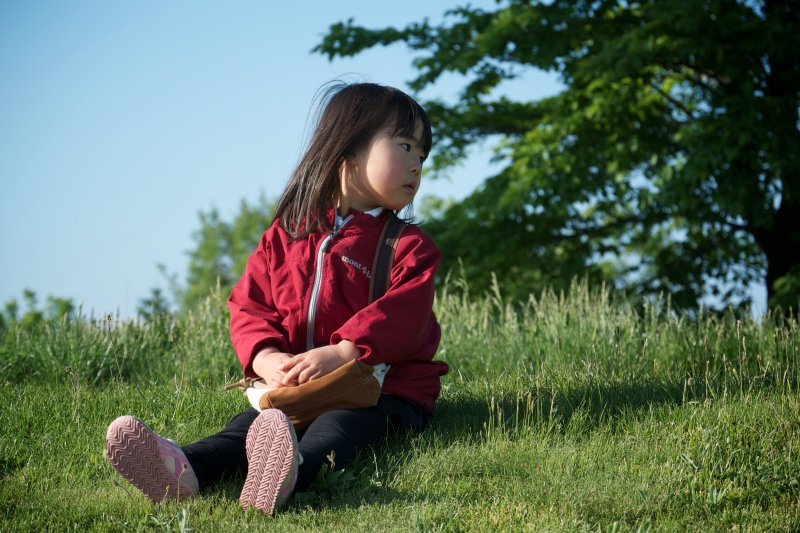與其整天叫孩子「認真」、「有毅力」,倒不如創造一個好的環境,讓他們自己體認到這些事情!(示意圖/MIKI Yoshihito@Flickr)