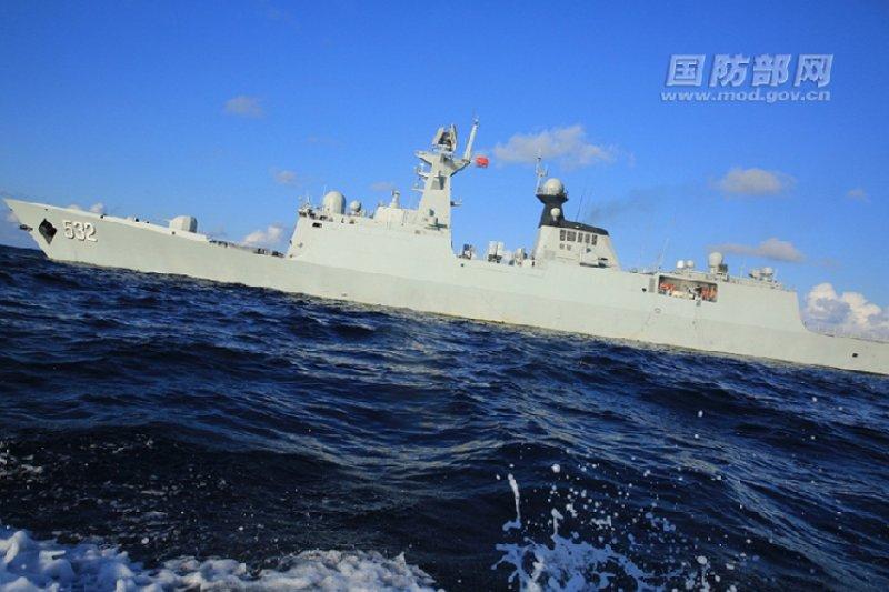 中國海軍的飛彈護衛艦荊州號。(中國國防部資料照)