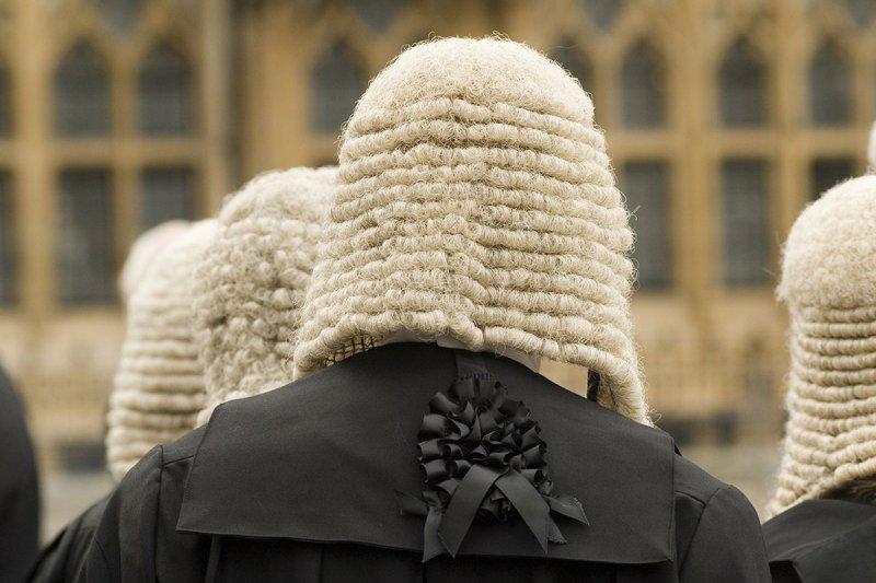 英國下議院議長依據傳統會戴假髮主持會議(AP)