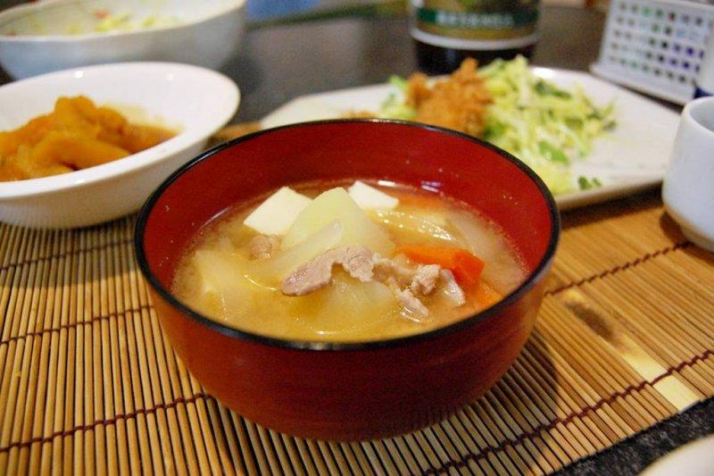 該怎麼煮出一碗好喝的味噌湯呢?(圖/kimishowota@flickr)