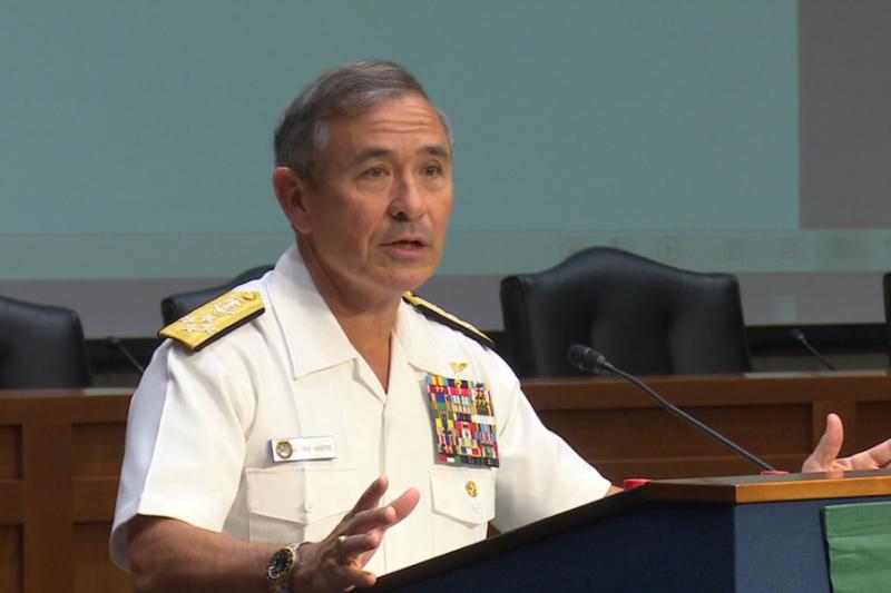 美軍太平洋司令部司令哈里斯上將2016年5月17日在華盛頓演講。(美國之音)