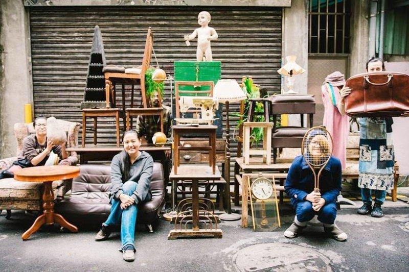 唐青古物商行專收二手家具,並賦予這些老舊傢俱新的可能(圖/唐青古物商行@facebook)