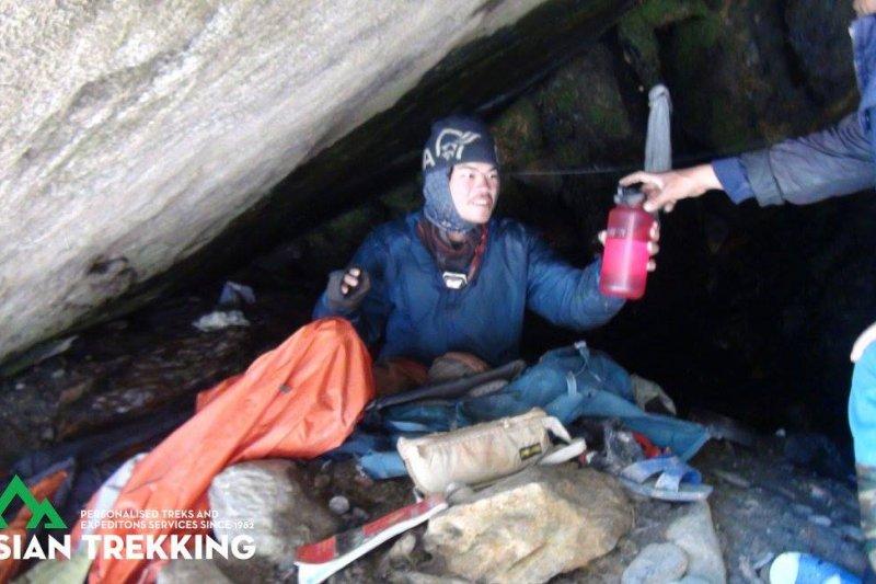 在尼泊爾山區失蹤、獲救的台灣健行客梁聖岳(Asian Trekking 臉書)