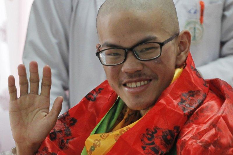 台灣健行客梁聖岳28日在尼泊爾首都加德滿都的醫院度過21歲生日(AP)