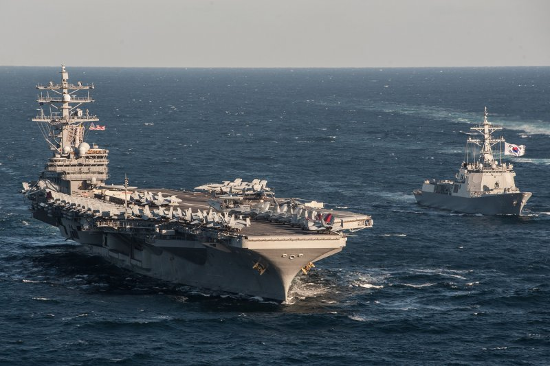 南韓神盾艦世宗大王號(DDG-991)2015年也曾與美軍雷根號航母在日本海共同巡弋。(美國海軍)