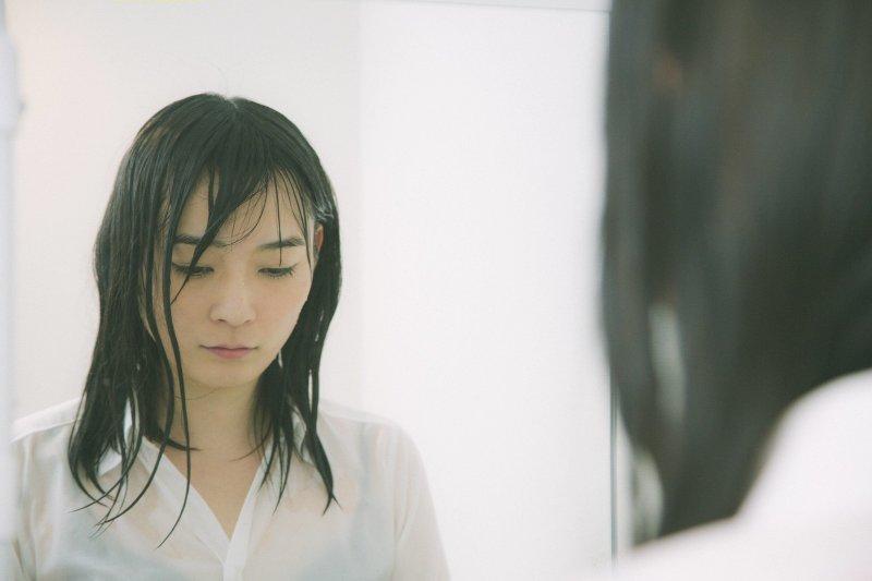 我們其實很難幫憂鬱症的人做到什麼,但是陪伴絕對會是一種力量。(圖/すしぱく@pakutaso)