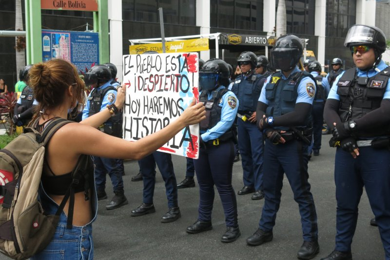波多黎各經濟衰敗,民眾經常上街抗議(AP)