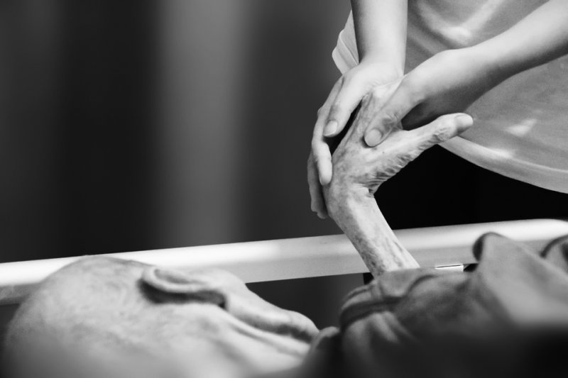 根據《康健雜誌》日前所作的調查,竟有84.4%的民眾直言並不想活到百歲,長壽竟成為夢魘。(取自Pixabay)