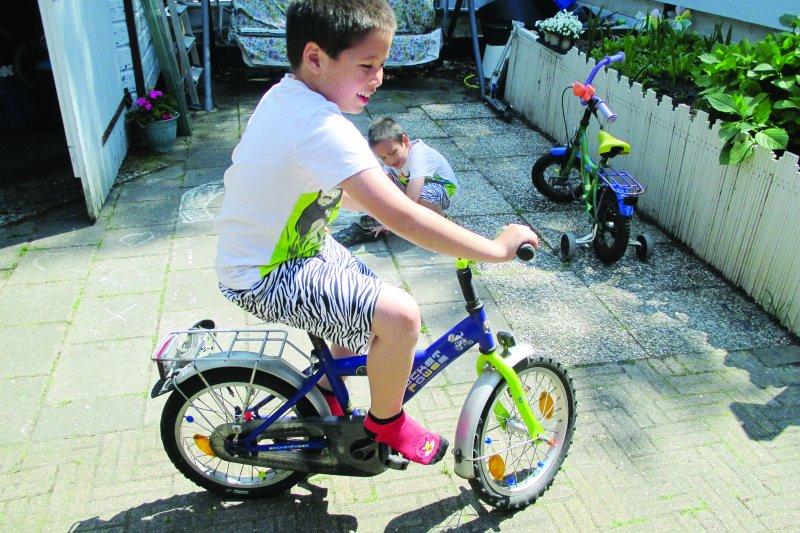 你知道從小騎腳踏車有多少優點嗎?(圖/聯合文化提供)