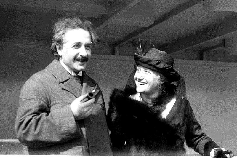 從小到大老師都沒告訴我們,愛因斯坦一生的「把妹」之路也是讓人嘆為觀止...(圖/wikimedia commons)