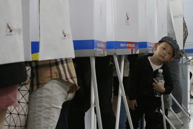 南韓9日將舉行大選,提前投票已於5日結束,有超過1000萬人投票。(美聯社)