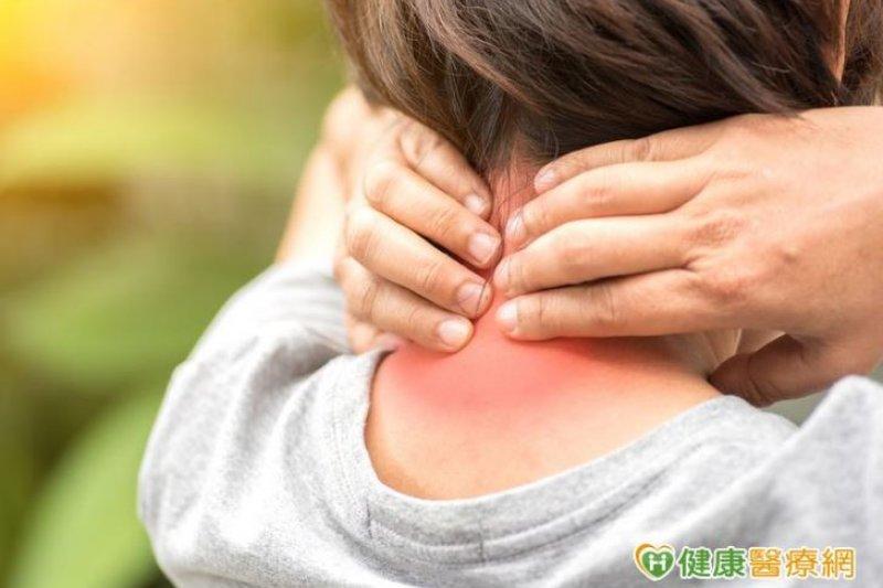 頸部連日腫脹不舒服,竟是高血壓作祟!(圖/健康醫療網)