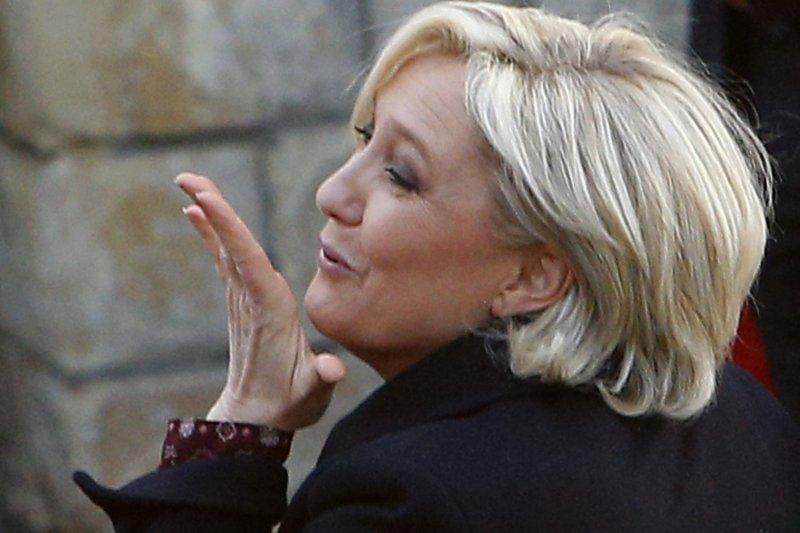 法國極右派政黨「民族陣線」(FN)總統候選人勒潘(Marine Le Pen)蜼敗猶榮(AP)