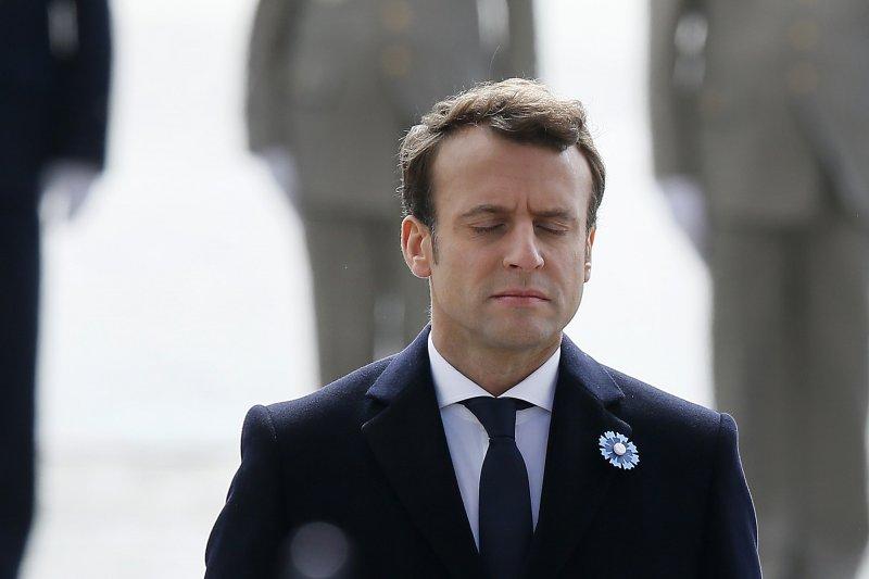 法國準總統馬克宏上任後沒有蜜月期,諸多問題及挑戰等待著他(AP)
