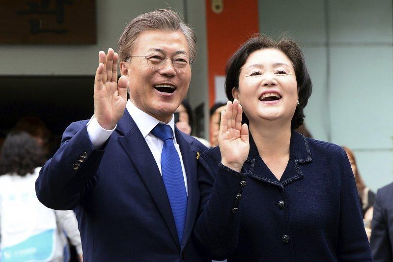 南韓總統大選出口民調出爐,共同民主黨文在寅以41.4%得票率出線,有望成為新任總統。(美聯社)