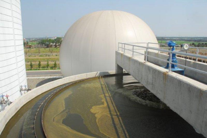 2017-05-09-台南林鳳營牧場沼氣發電沼氣池-取自台南市政府