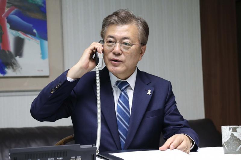 文在寅在首爾自宅致電聯合參謀本部議長。