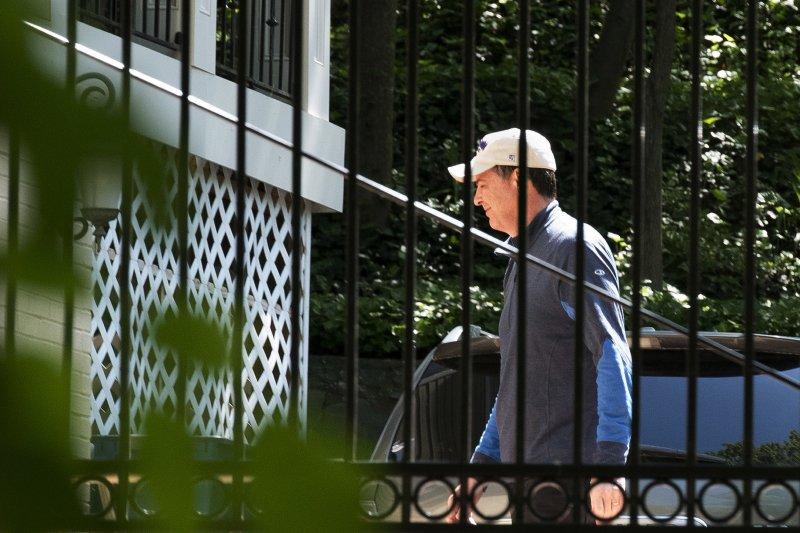 聯邦調查局(FBI)前局長柯密,恢復平民身分,攝於維吉尼亞州家中(AP)
