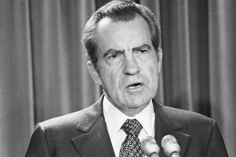 美國總統川普9日突然開革聯邦調查局(FBI)局長柯密,令人聯想到1973年尼克森總統的作為(AP)