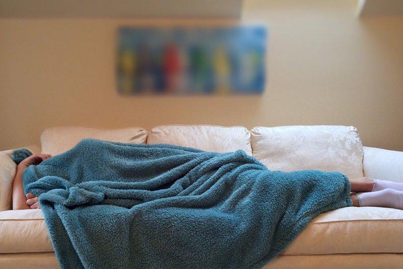 怎麼判斷自己是否 腎虛 - 為何人過50歲更容易失眠?醫師提出最專業5點建議,連吃安眠藥也有「眉角」啊