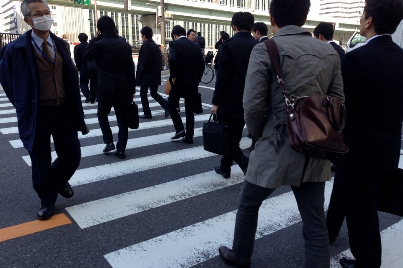 日本政府12日首度公布超過300間公司的名單,稱這些被點名的企業違反勞動法,希望此舉能杜絕剝削,防止勞工過勞死(取自Pixabay)