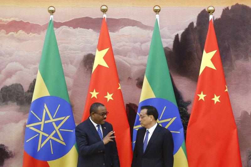李克強與衣索比亞總理德薩萊尼。(美聯社)