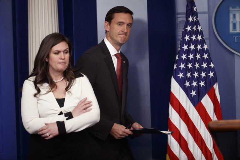川普言行反覆無常,讓親信與發言人焦頭爛額(AP)