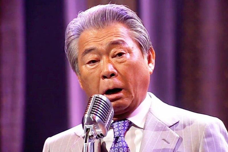 日本天王級主持人三野文泰,創下一周內主持節目時間最多的金氏世界紀錄。(圖/翻攝自youtube)