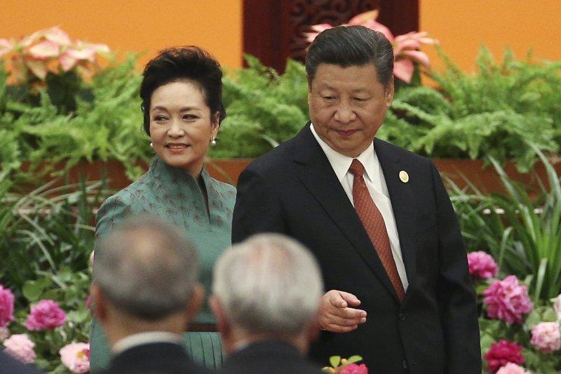 一帶一路高峰會:中國國家主席習近平與夫人彭麗媛(AP)