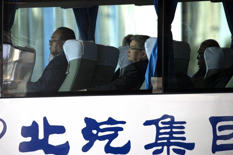 一帶一路高峰會:北韓外貿部長金英宰(左)出席與會(AP)