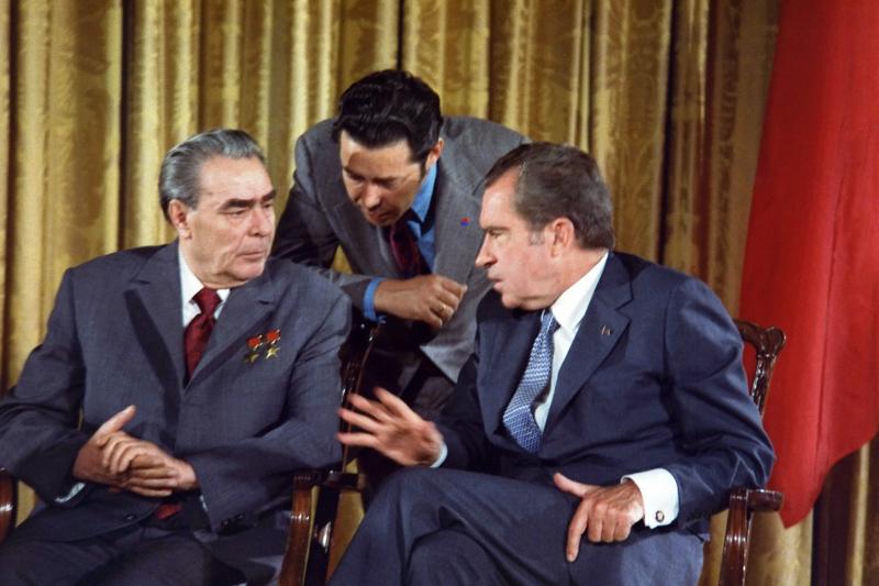 美國總統尼克森與蘇聯總書記布里茲涅夫,1973年(Wikipedia / Public Domain)