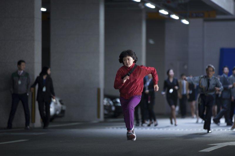 第70屆坎城影展:南韓導演奉俊昊執導的原創電影《玉子》(Okja)入圍角逐金棕櫚獎(AP)