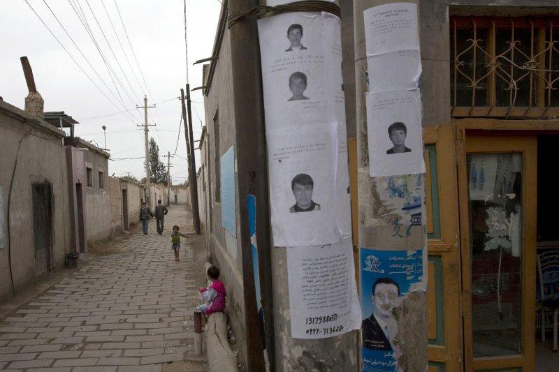 人權觀察組織稱,中國非法蒐集平民的DNA建立資料庫(AP)