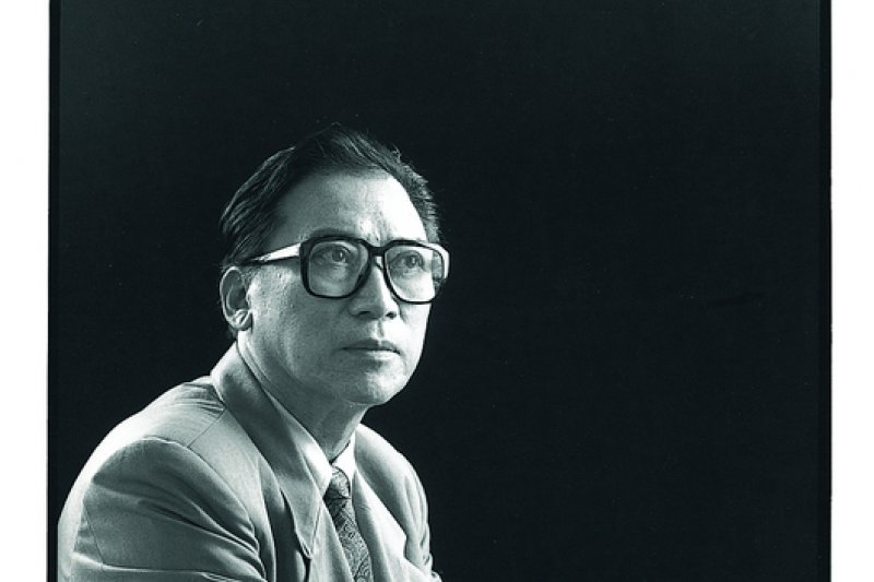 「台灣拉赫曼尼諾夫-最後的浪漫主義鋼琴詩人」蕭泰然,這是蕭泰然最喜歡的個人照。(圖:臺灣音樂群像資料庫/想想論壇提供)