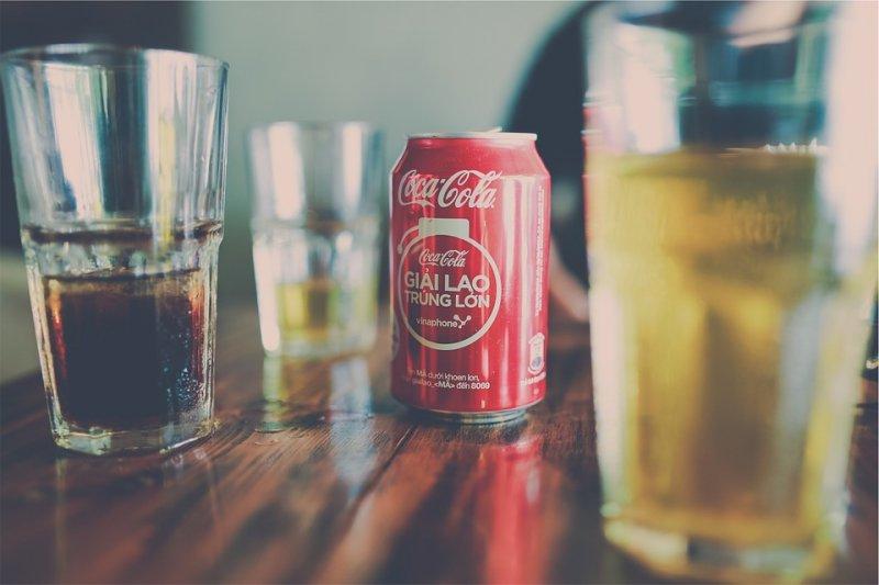 有些人愛喝甜飲料,如果又喝含代糖飲料頻率太高,對身體就有傷害。(圖/StockSnap@pixabay)