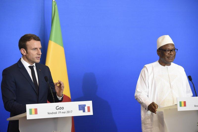 法國總統馬克宏與馬利總統凱塔。(美聯社)
